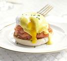 Huevos Benedictine con salmón