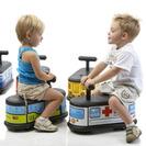 Juegos para bebé. El triciclo más divertido vintage