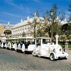 En chiquitren por Aranjuez. Planes con niños en Madrid. Actividades y excursiones.