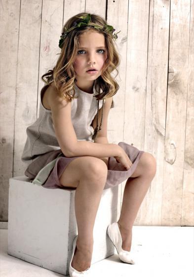 Look 1 por 58 euros: Camisa tirantes lino beige, Falda capas.