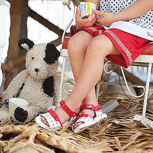 Descubre con nuestro video el calzado infantil Chicco