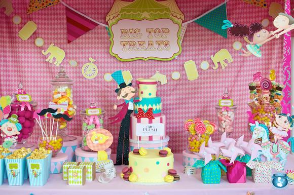Decoración de la mesa para un cumpleaños para niños