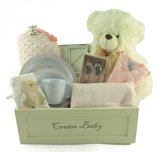 Canastilla para niña recién nacida