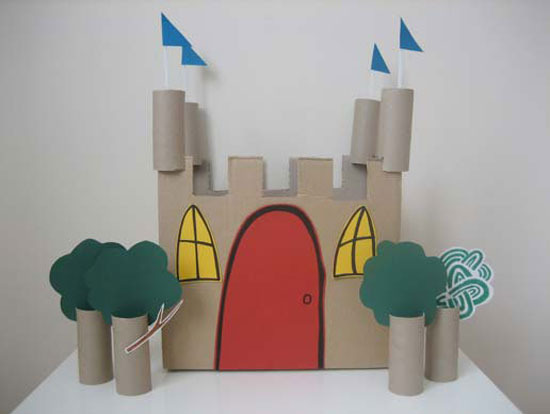 Castillo Hecho Con Materiales Reciclados