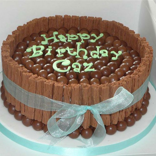 Ideas para decorar una tarta de cumpleaños con Maltesers