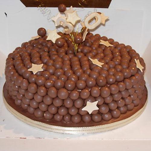 Ideas para decorar una torta de cumpleaños con Bolitas de chocolate