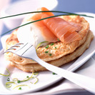Cena fría y rápida: Rollitos noruegos de salmón con gulas