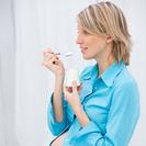 Tomar yogur desnatado durante el embarazo puede causar asma infantil