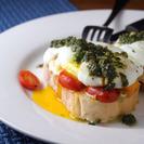 Tapa de Mozzarella, Tomate Cherry y Pesto