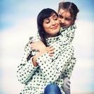 Mama y yo vestidas iguales. Impermeables Haute Saison