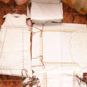 Mini-creaciones. Bordados y artesanía para bebés.