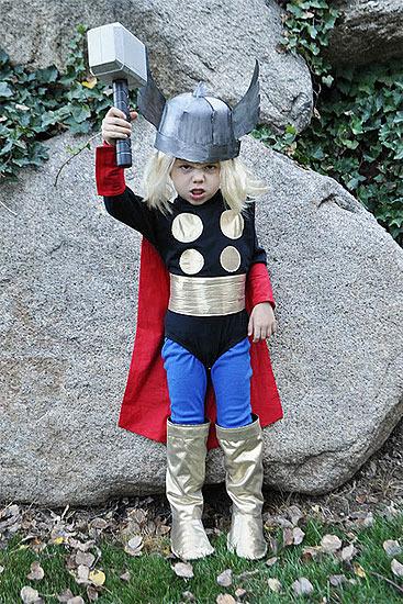 Disfraz casero para niños. Thor, dios del trueno