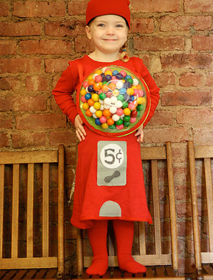 Disfraz casero de máquina de chicles para niñas