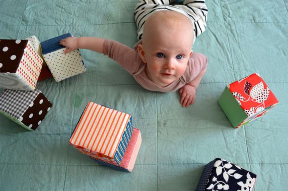 Manualidad para estimular a los bebés
