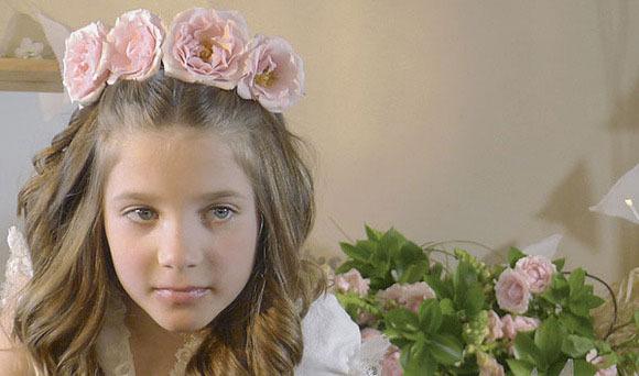 Recogido con flores naturales para Primera Comunión