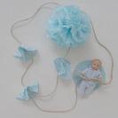 Guirnalda con Pompones de seda y blondas