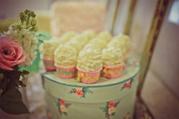 Deliciosos cupcakes con merengue. La merienda perfecta.