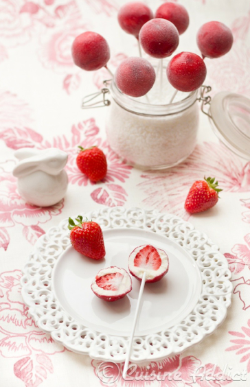 Piruleta de fresas heladas. Fuente: www.CuisineAdict.com