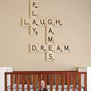 Decorar con letras dormitorios infantiles