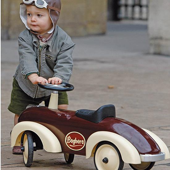 Coches, triciclos y balancines para niños de Baguera