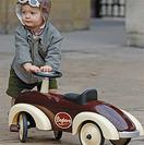 Coches, triciclos y balancines para niños