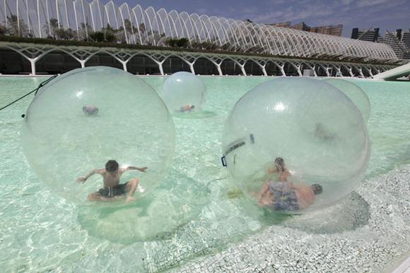 Waterballs en el Museo de las Ciencias de Valencia