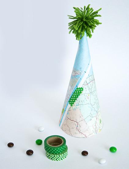 Gorros de papel caseros para una fiesta infantil inspirada en el planeta tierra