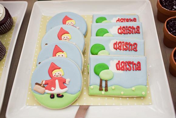 Galletas decoradas para un cumpleaños de Caperucita