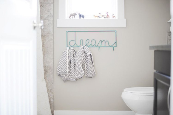Fuente Imagen: http://www.apartmenttherapy.com/a-charmingly-subtle-bathroom-f-158748