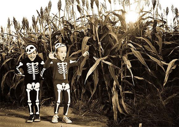 Disfraz casero de esqueleto para un Halloween de miedo