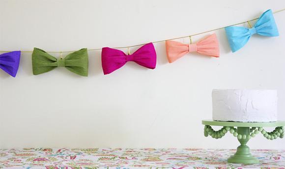 Guirnalda de lazos para decorar fiestas infantiles