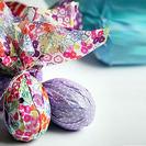 Decorar los huevos de Pascua con papeles