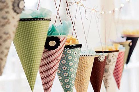 Ideas para decorar la primera comunion con guirnaldas.