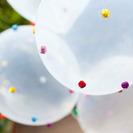 Manualidad: Personaliza tus globos con pompones