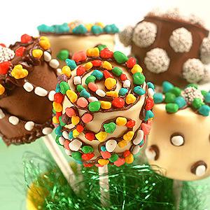 Piruletas de nube y chocolate para hacer con los niños