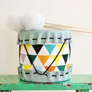 Manualidad tambores de tela y cuero para niños