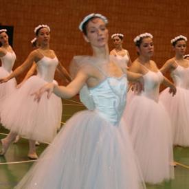 Academia Ballet Clásico para niñas en Bilbao. Teresa Gonzalez Ardanaz. Estudio de Ballet Clásico
