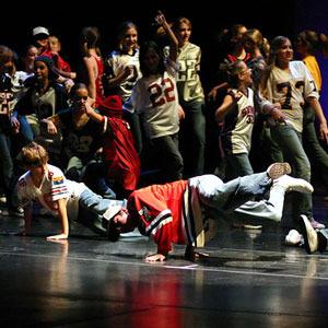 Academia de Danza, Bailes de salón y moderno, Funky y Hip-Hop para niños en Pamplona. Le Bal. Escuela de Danza