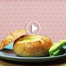Aperitivo de panecillos rellenos de huevo