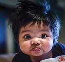 Bebés que nacen con una gran cabellera