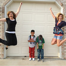 Madres y padres publican fotos del momento en que sus hijos vuelven al cole