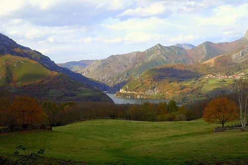 Embalse de Rioseco desde la Ruta Castañeru Montés, Asturias