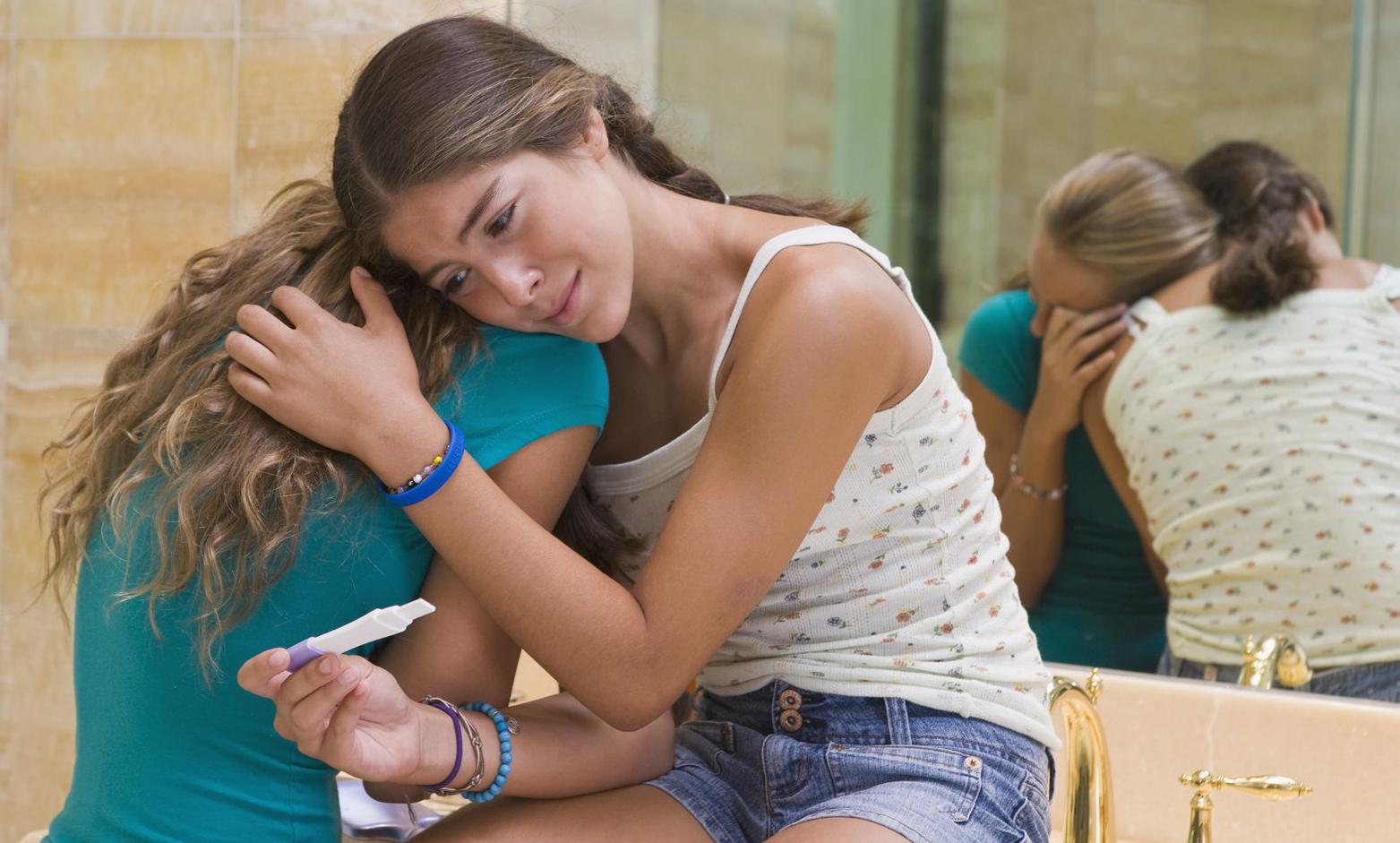 Смотреть бесплатно трахнул юную девочку 9 фотография