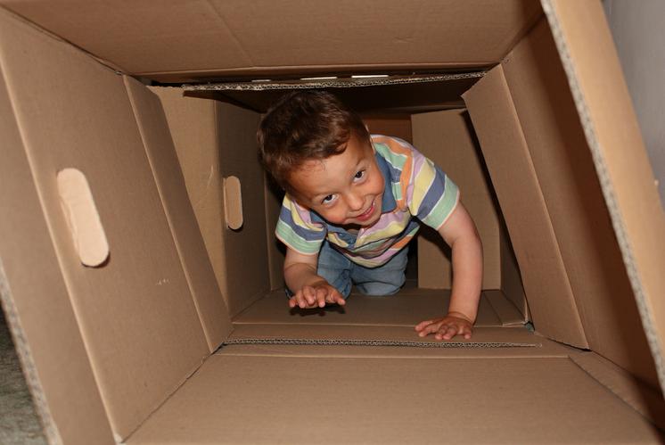 Juegos con cajas de cartón