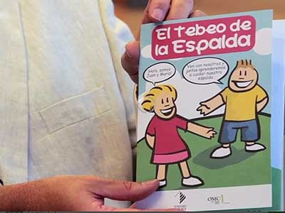 El tebeo de la espalda para evitar dolores en los ni&ntilde;os