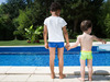 Precauciones para disfrutar de la piscina con nios